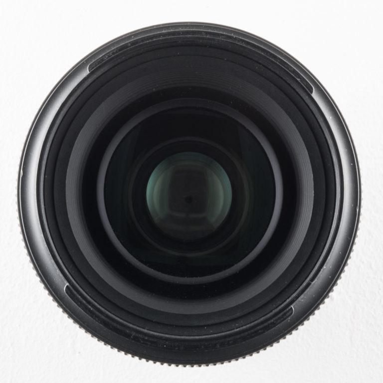 Vue de face d'un Tamron 35mm F/1.8